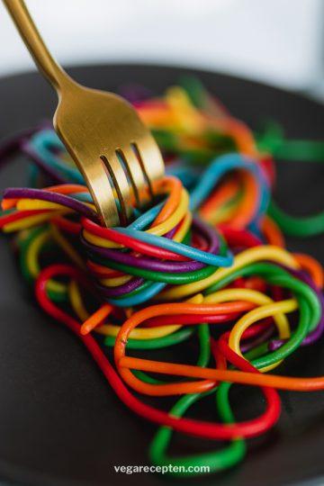 Regenboog pasta recept