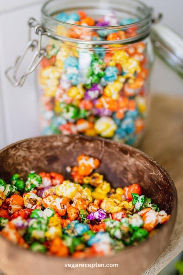Zoete popcorn maken regenboog