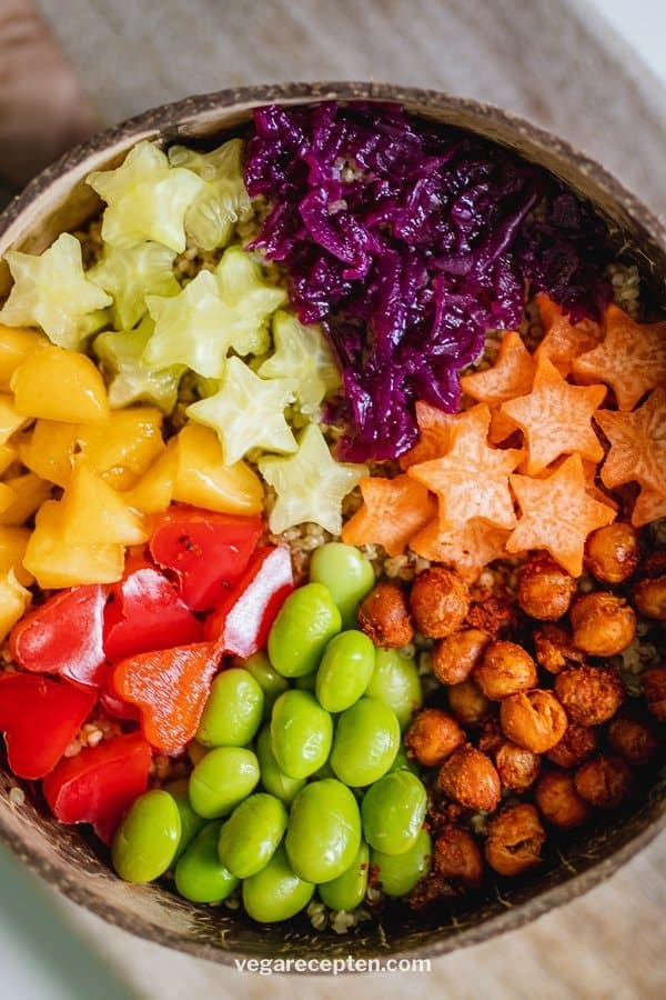 Buddha bowl with roasted chickpeas