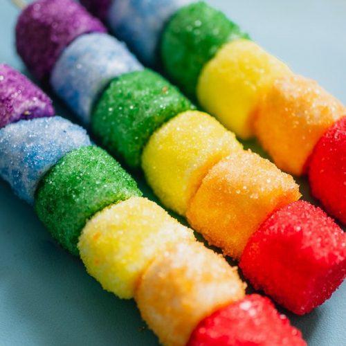 Regenboog marshmallow traktatie