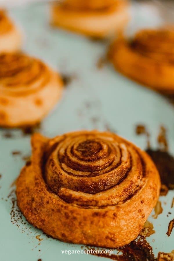 Cinnamon rolls recept kaneelbroodjes bakken