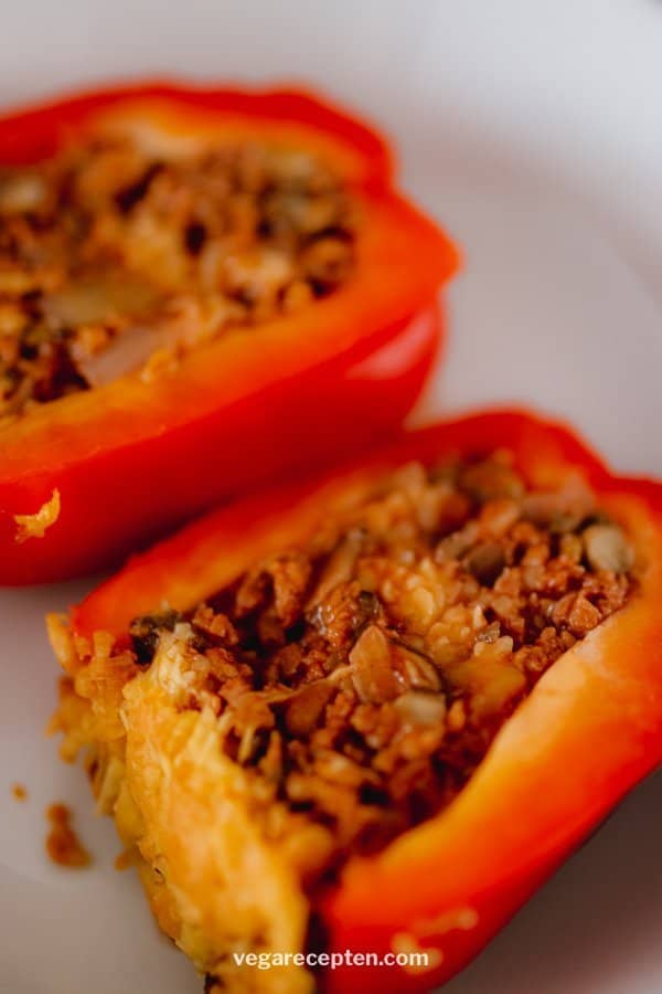 Stuffed bell peppers vegetarian