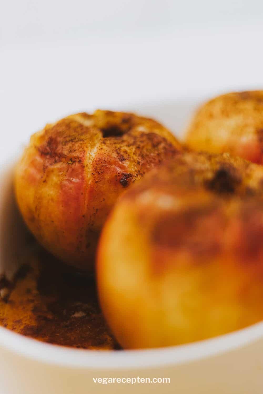 Appel uit de oven met kaneel suiker boter