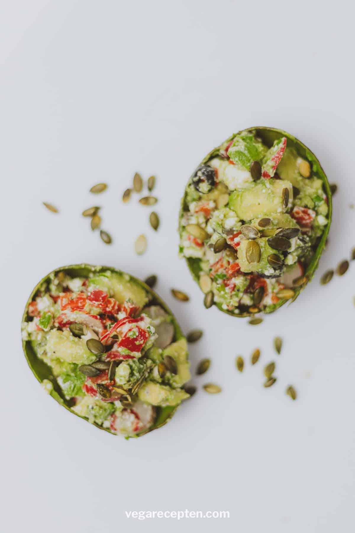 Gevulde avocado salade vegan