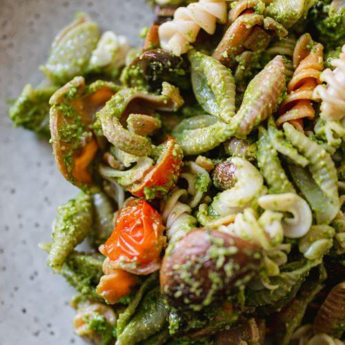Pasta pesto spinazie maken vegetarische pasta recept