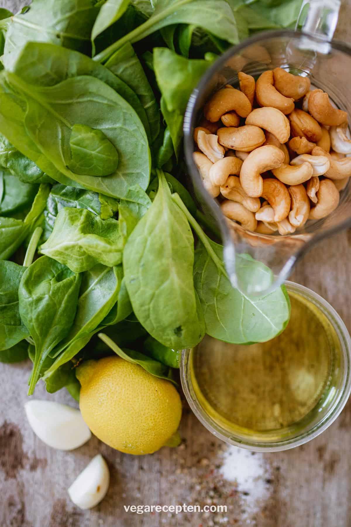 Spinazie pesto ingredienten cashewnoten